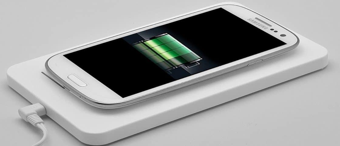 телефон samsung сам перезагружается